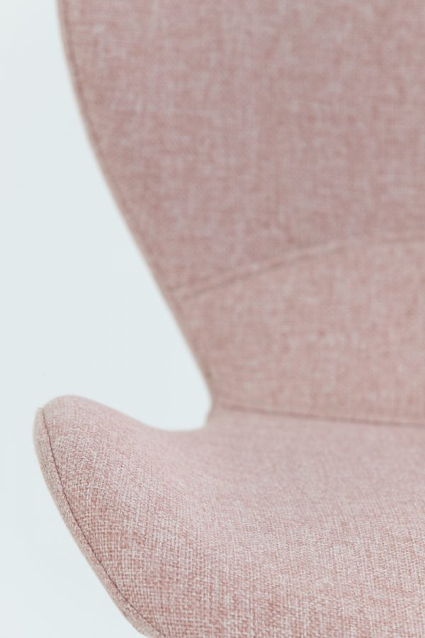 eetkamerstoel Scandinavisch roze zwarte poten